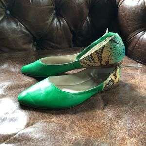 Nine West green leather pointy flats ankle strap